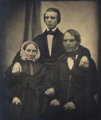 Gerhard Lucas Meyer mit Eltern